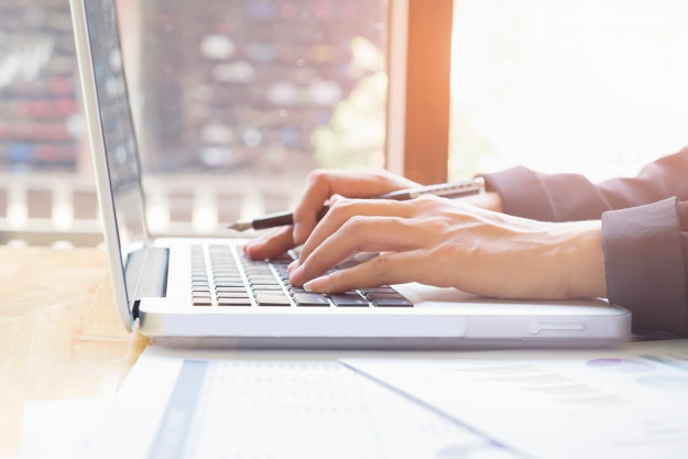 fraud detection - online survey scams - macbook
