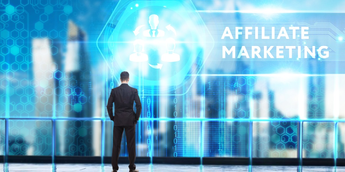 businessman-looking-at-affiliate-marketing